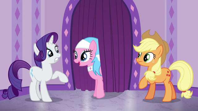 File:Aloe greeting Rarity S6E10.png