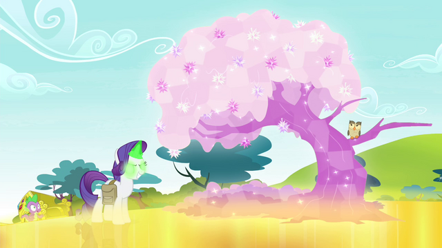 File:Rarity turns tree into crystal tree S4E23.png