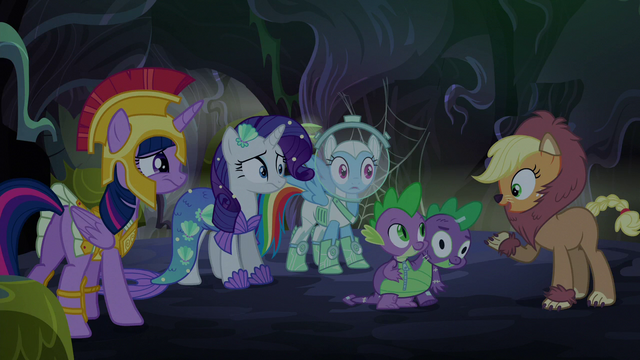 File:Applejack thinks she solved the mystery S5E21.png