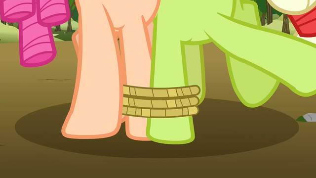 File:Granny Smith and Apple Rose tripping up S3E8.png