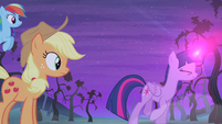 Twilight casting more magic S4E07
