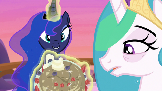 File:Princess Luna presents a plate of bad pancakes S7E10.png