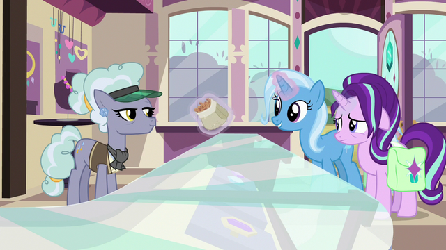 File:Trixie offers cinnamon nuts to Jeweler Pony S7E2.png