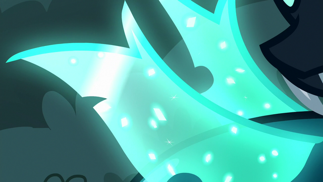 File:Close-up on Thorax's crystally wings S6E25.png