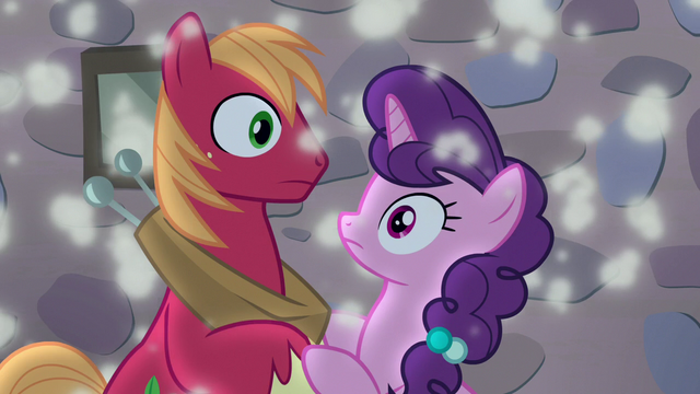 File:Big McIntosh's fantasy with Sugar Belle disappears S7E8.png