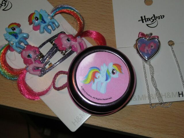 File:MLP Locket and Yo-Yo and Hairclips from H&M.jpg