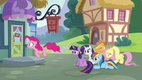 Pinkie and friends outside the furniture store S5E19