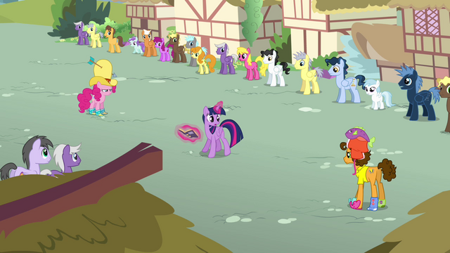 File:Twilight 'or performing' S4E12.png