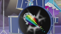 Pinkie Pie's drums pumping loudly EG4