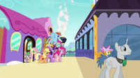 Rarity's friends come out of the train S5E14