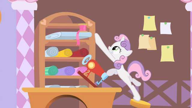 File:Sweetie Belle Reaches for Ribbon S1E17.png