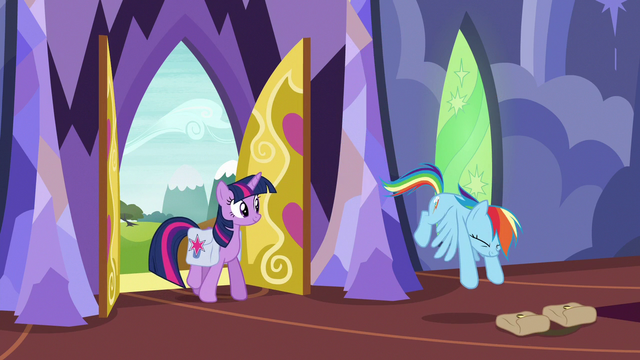 File:Rainbow tosses her saddlebags on the floor S6E24.png