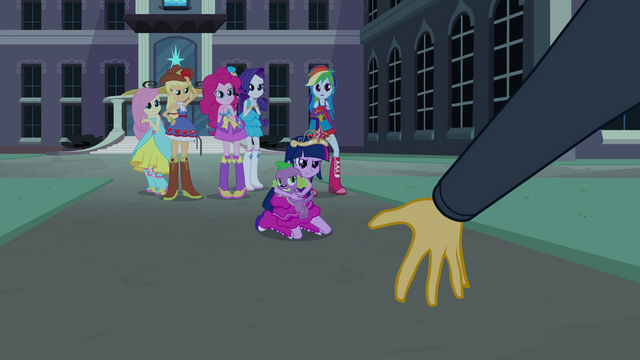 File:Sunset Shimmer demands the crown EG.png