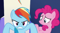 Rainbow Dash accepts Rarity's challenge S6E15