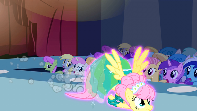 File:Fluttershy flying down the runway S1E20.png