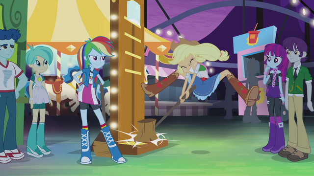 File:Applejack hammers the high-striker EG2.png