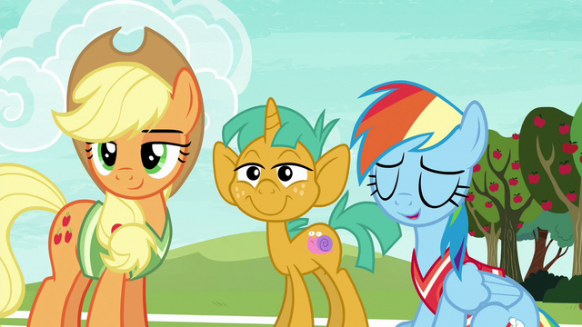 File:Rainbow Dash chuckling S6E18.png
