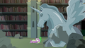 Spike sees an alicorn horse statue S4E03.png
