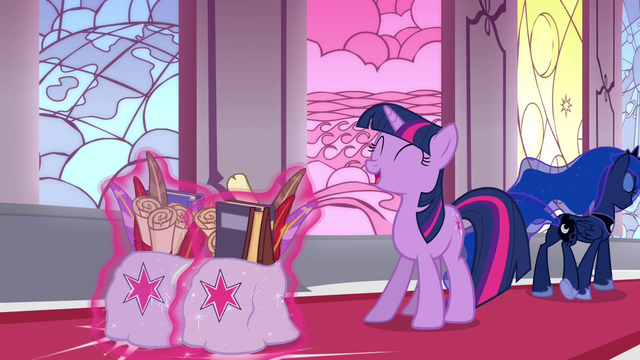 File:Twilight with two bags S3E01.png