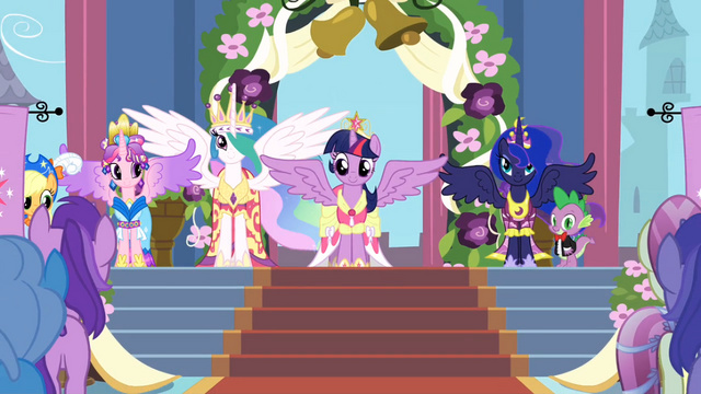 File:Twilight at her coronation S3E13.png