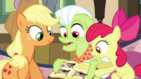 "Granny Smith ""never did find them teeth"" S3E8"