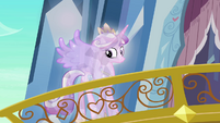 Crystal Cadance looking at the crowd S03E02