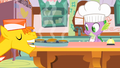 Mr cake about to deliver the muffins S1E22.png