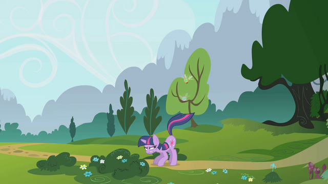 File:Twilight swats away parasprites with her tail S1E10.png