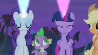 Twilight and Rarity casting signals S4E07