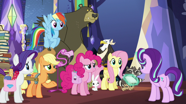 File:Main five gathered in front of Starlight S6E21.png