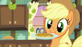 Applejack catches flapjack on a plate S7E13.png