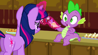 Twilight takes the dolls away from Spike S02E25