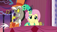 Discord tries to get Fluttershy's attention S5E7
