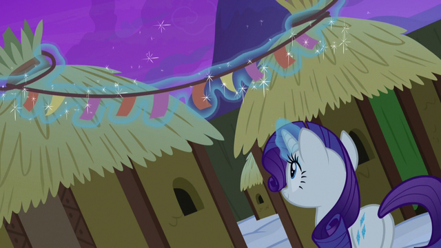 File:Rarity putting up Yickslurbertfest streamers S7E11.png