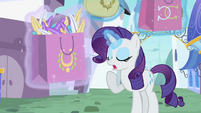 Rarity taking control of the bag S02E09