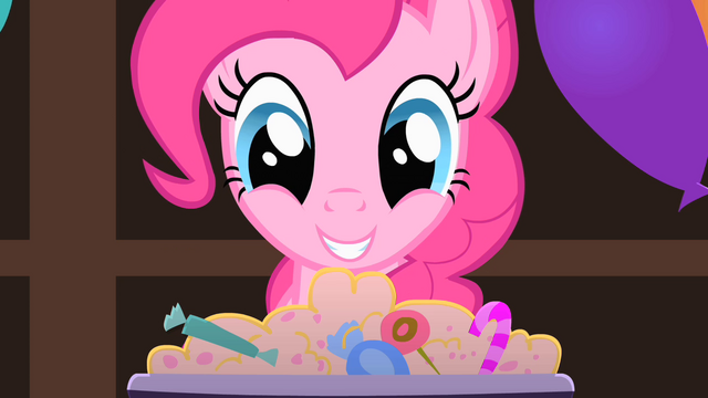 File:Pinkie Pie looks at the candy S1E22.png