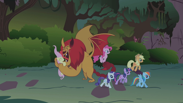 Image - Twilight and friends move past manticore S1E02.png ...