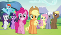All ponies happy to see Countess Coloratura except Applejack S5E24.png