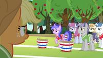 Applejack addressing the unicorns again S6E18