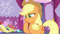 Applejack confused by Starstreak's design S7E9.png