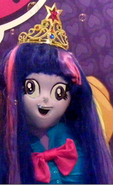 File:FANMADE Edited closeup of EG Twilight costume.png