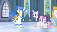 Rarity bringing over headdress S4E19