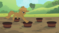 Rarity jumping in buckets S2E5