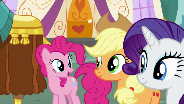 "File:Pinkie ""make you feel at home"" S5E11.png"
