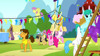 Pinkie Pie and Cheese at the party S4E12