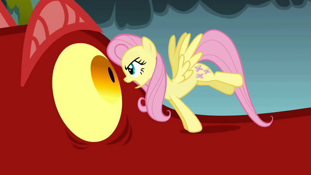 File:Fluttershy stares at the dragon S1E07.png