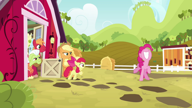 File:Pinkie Pie super excited S4E09.png