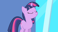 Twilight sure of herself S1E01