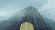 """Pinkie """"One rope coming up!"""" S5E8.png"""