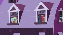 Applejack, Apple Bloom & Big Mac S2E12
